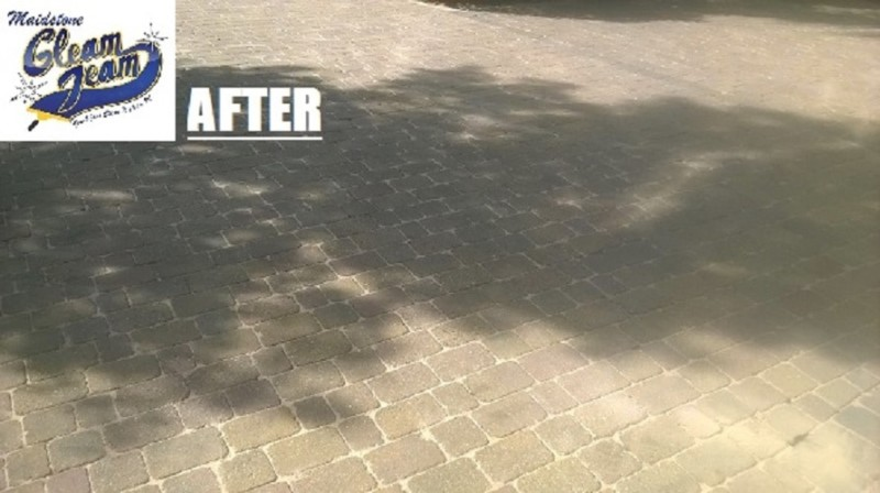 pressure-washing-services-removes-multiple-paint-stains-london
