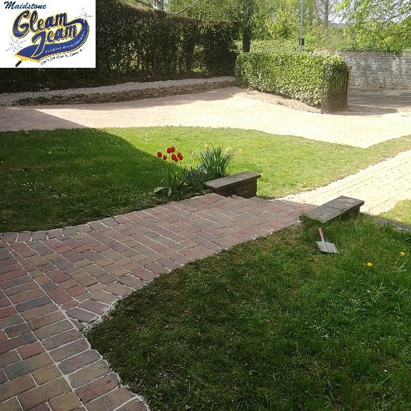 Backyard state gutter cleaning for Best way to clean driveway