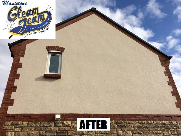 rendered-wall-cleaned-by-soft-washing-maidstone-gleam-team