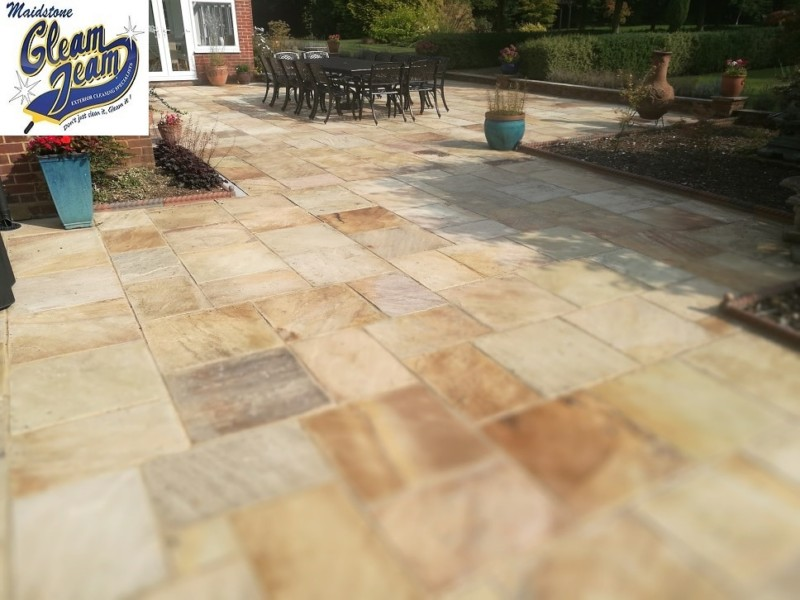 patio-after-cleaning-kent