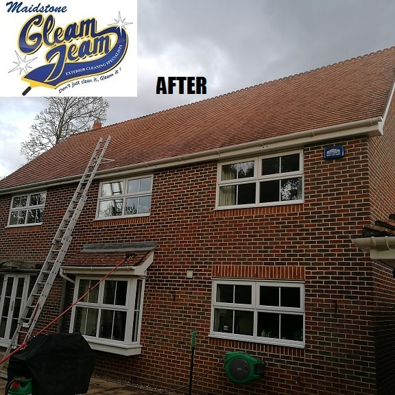 low-pressire-roof-cleaning-soft-washing-sussex