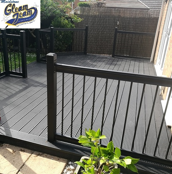 garden-deck-renovation-after-cleaning-and-staining-kent