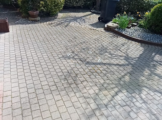 block-paving-driveway-before-cleaning-Maidstone